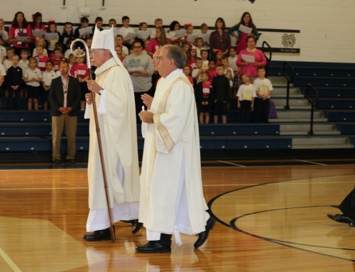 Bishop celebrates Mass with ND Elementary, Junior High and High School Students